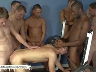 blowjob big dick Bukkake Boys - Twink gets barebacked at the gym