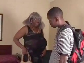 ebony big ass Granny can get it
