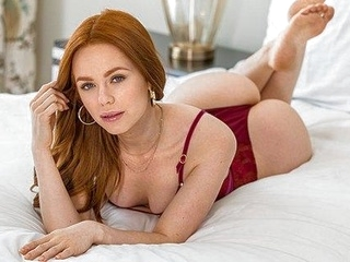 red head anal Slender redhead girlfriend suck penis and spread her legs for a spanki...