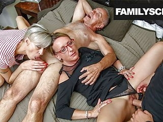 blowjob amateur Secretaries take care of Family Business