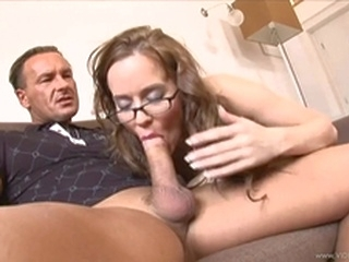 blowjob brunette Gorgeous Cindy Dollar wraps her lips round a huge boner