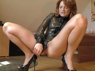 milf ass Latex Girl masturbating on cam