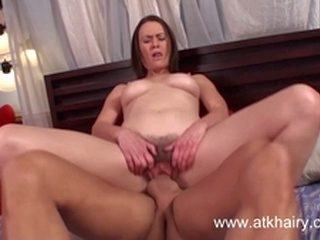 riding blowjob Hairy MILF Veronica Snow gets fucked