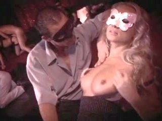swingers group sex orgie en club