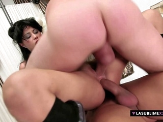 double penetration anal LaSublimeXXX Valentina Canali enjoys threesome